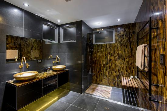 Khmer Interior Bathroom Luxury ensuite in Cambodia